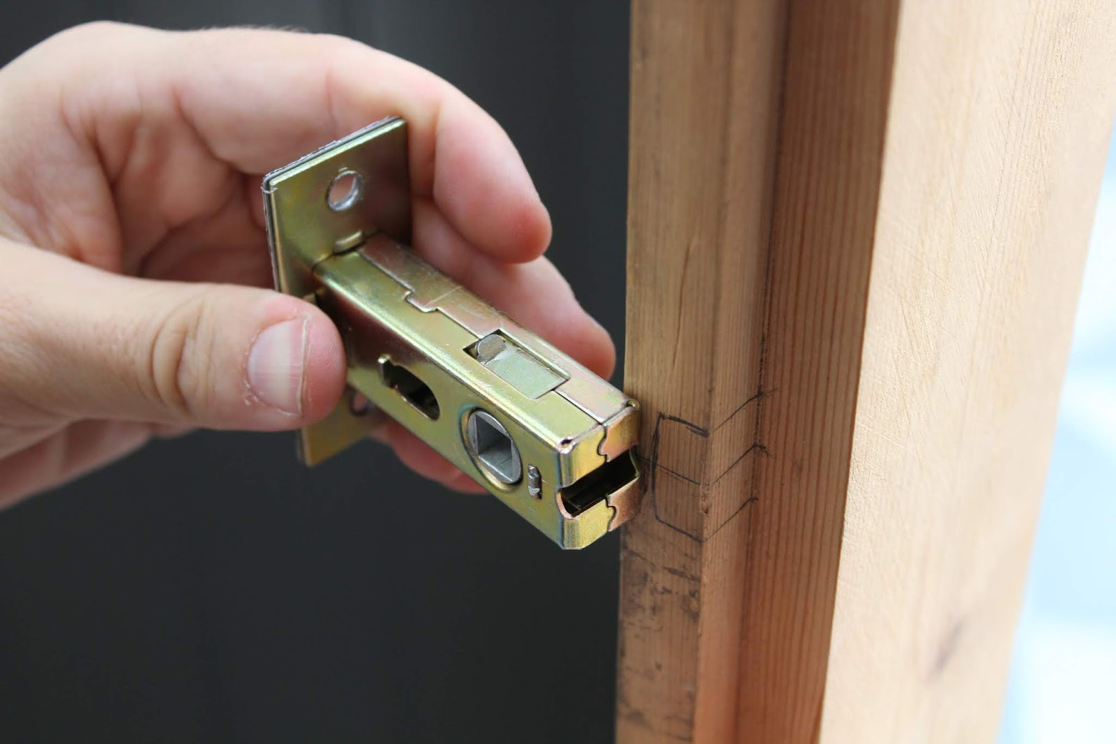 fitting a latch on a door with a lip