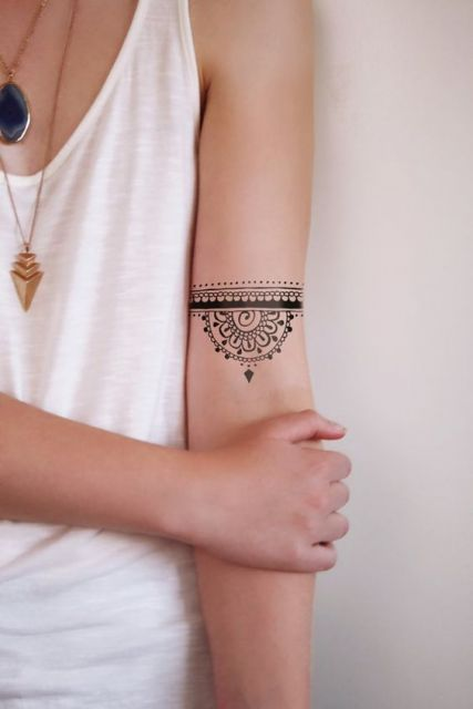 braceletes de tatuagens femininas