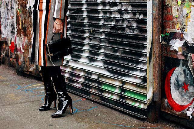 Resultado de imagen de botas de charol street style