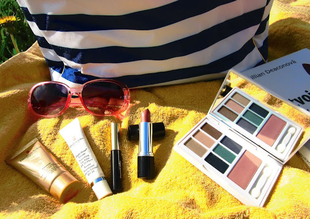 letná darčeková sada Summer Handbag od Elizabeth Arden a jej obsah