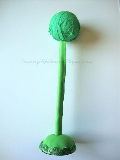 Formamos nuestro arbol en goma eva