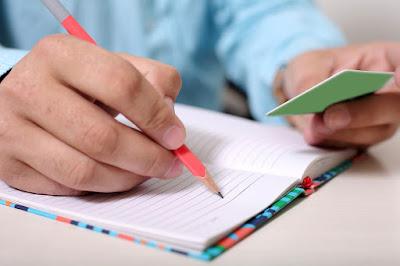 5 Cara Menghasilkan Uang Dari Menulis Artikel