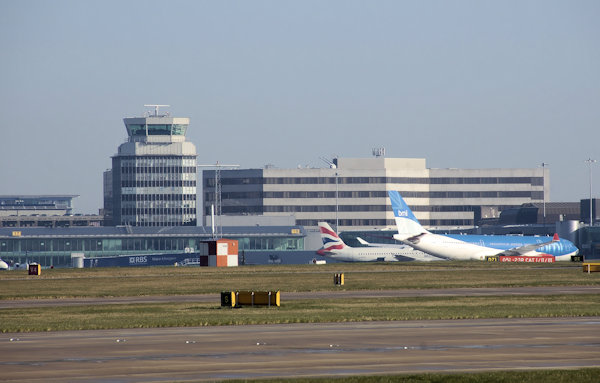 Northwich Scanner: Manchester Airport Frequencies