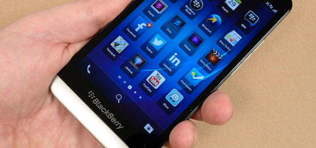 Mengatasi Whatsapp Bermasalah Pada BlackBerry OS10