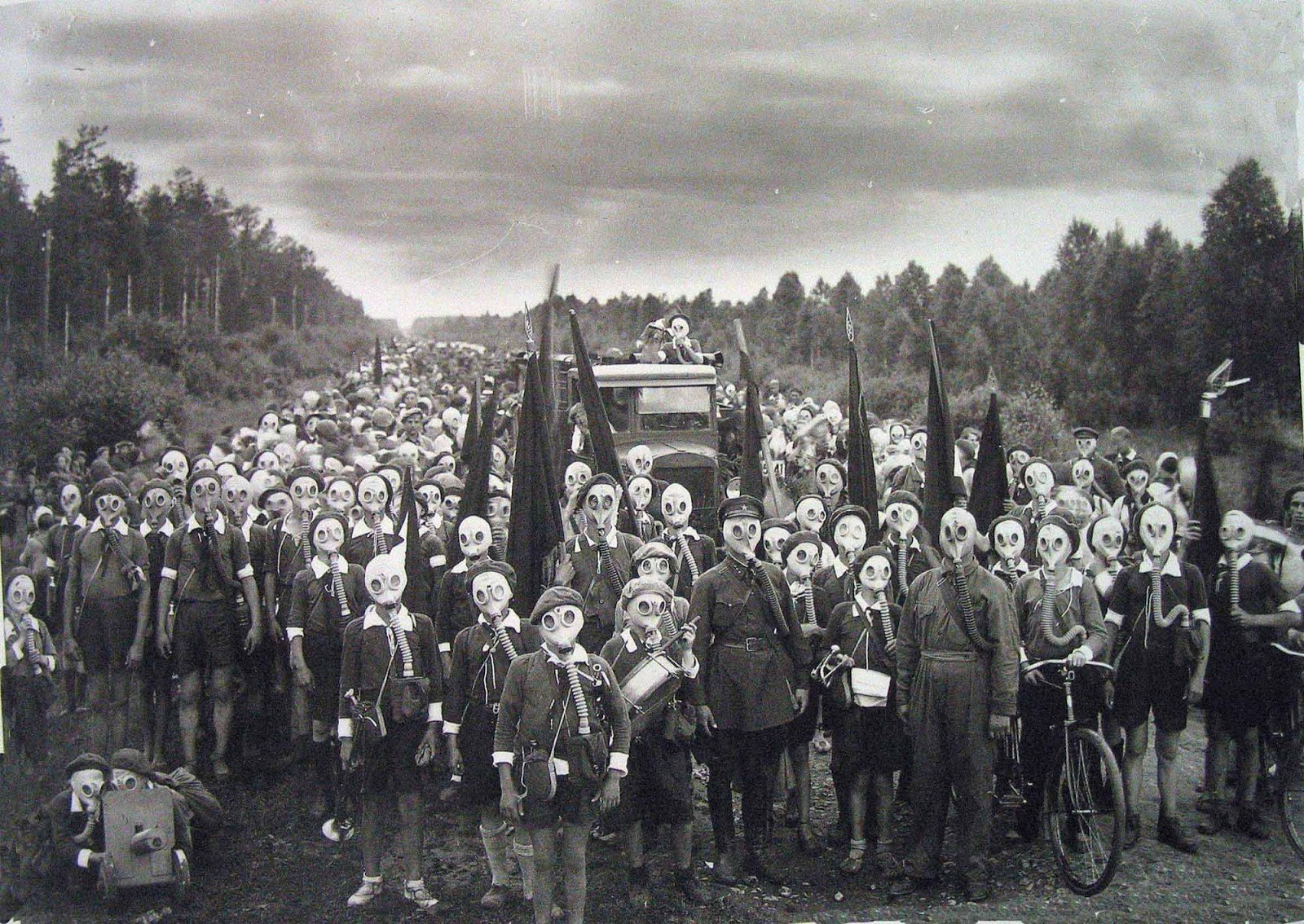 Pioneers of Leningrad in a defense drill, 1937.