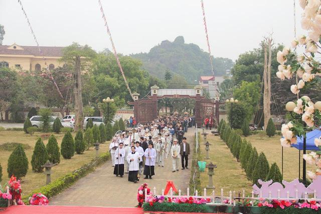 Lễ truyền chức Phó tế và Linh mục tại Giáo phận Lạng Sơn Cao Bằng 27.12.2017 - Ảnh minh hoạ 91