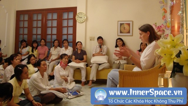 Trish-summerfield-living-values-vietnam-trung-tam-innerspace-can-bang