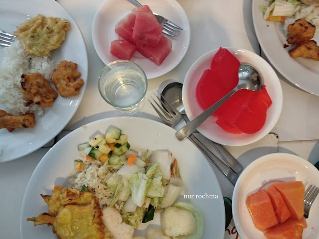 breakfast fave hotel rembang