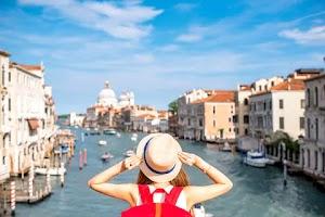 7 Kebiasaan Makan Unik dari Berbagai Negara Traveling!