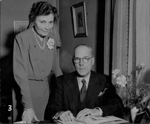 Sweden's new ministers in Copenhagen, Envoyé and Mrs Gustaf von Dardel, 25 October 1941 worldwartwo.filminspector.com
