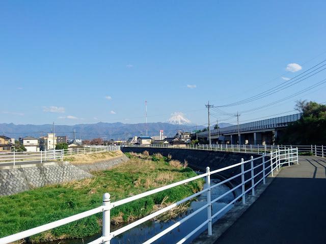 貢川 富士山