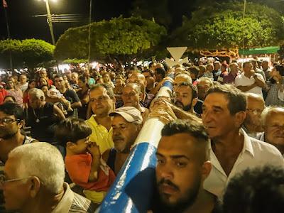 Levantamento do Mastro de Santo Amaro reúne milhares de fiéis