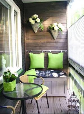 http://rumahsiana.blogspot.com/2017/03/contoh-desain-gambar-balkon-dan-teras-unik-rumah-minimalis.html