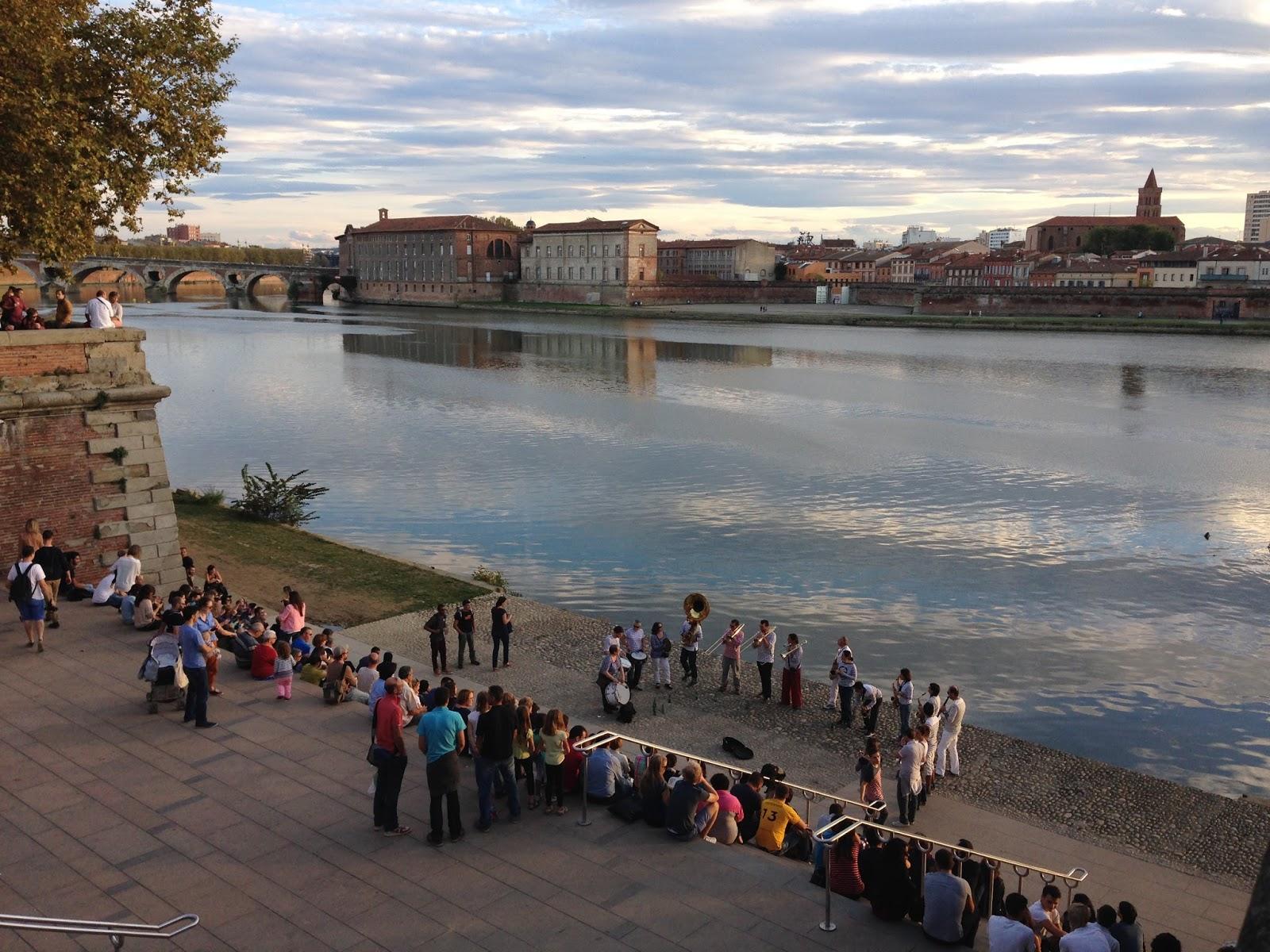 Fabuleux Toulouse le long des berges de la Garonne : du Bazacle à Saint  AE71