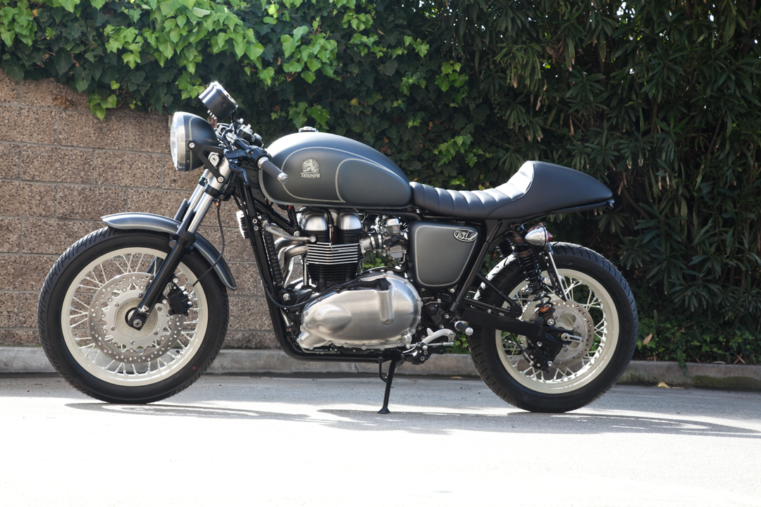 triumph thruxton cafe racer rsd grease n gas. Black Bedroom Furniture Sets. Home Design Ideas