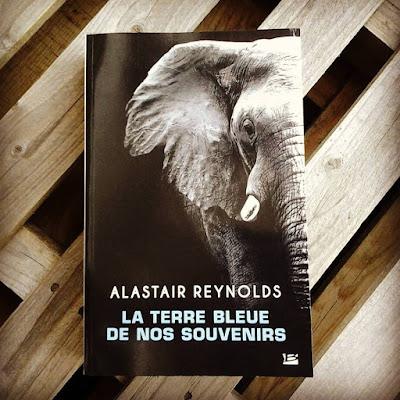"""""""La terre bleue de nos souvenirs"""" - Alastair Reynolds"""