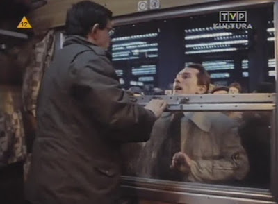 sceny na dworcu w polskim filmie