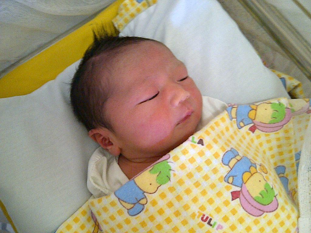 LukyLuks Mengapa Bayi Lucu Dan Menggemaskan