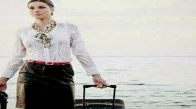 والد مضيفة مصر للطيران يكشف سر صورة خروجها من الماء بـ شنطة سفرها