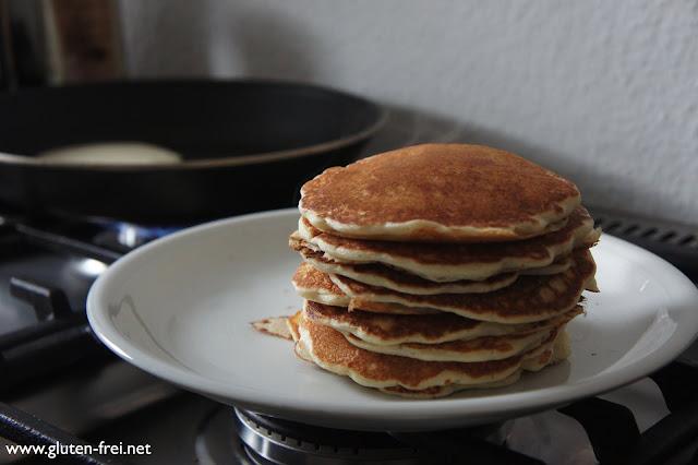 rezept glutenfreie buttermilch pancakes ein glutenfreier blog. Black Bedroom Furniture Sets. Home Design Ideas