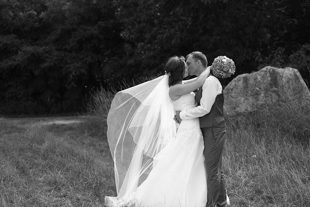 suknia%2Btren - Suknia ślubna z trenem - czy to dobry wybór?