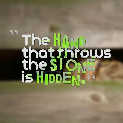 Display Picture Gratis Lempar Batu Sembunyi Tangan