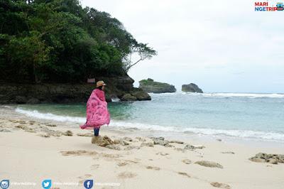 Pantai Teluk Putri Malang Mari NGEtrip