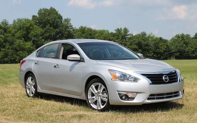 car in Nissan Altima 2014