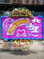 karangan bunga papan valentine, papan bunga, hadiah bunga valentine unik, toko bunga