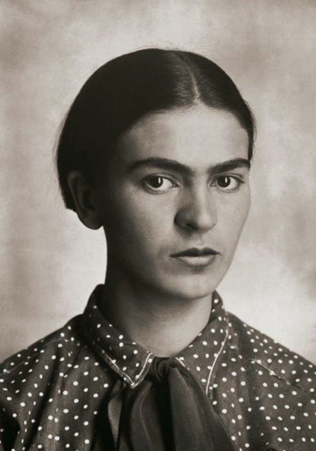 rare and beautiful portrait photos of a young frida kahlo taken by her father from the 1910s. Black Bedroom Furniture Sets. Home Design Ideas