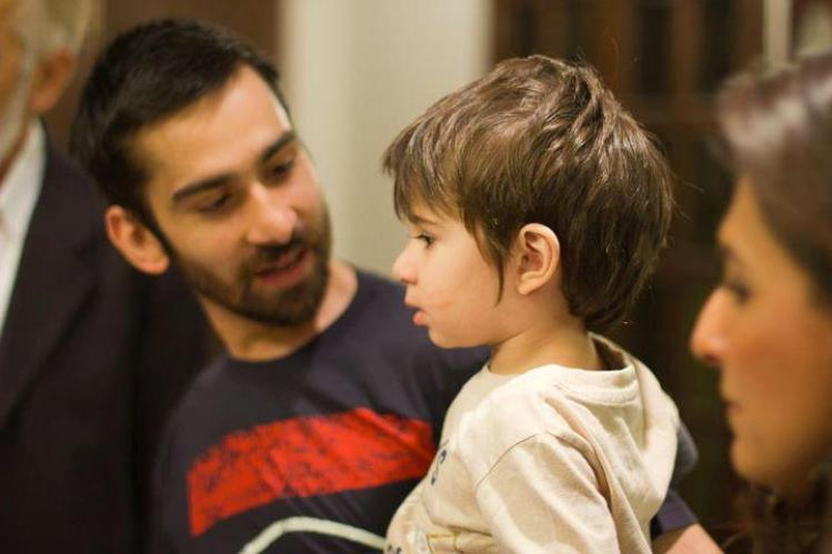 Ali Askari with his son Azlaan