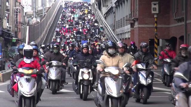 Mua xe máy và thi bằng lái xe máy bên Đài Loan như thế nào?