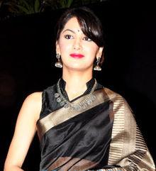 Biodata Sriti Jha sebagai pemeran Pragya Abhishek Mehra Lonceng Cinta
