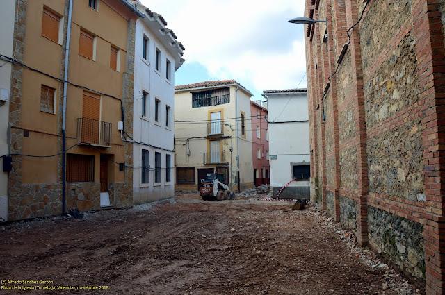 torrebaja-plaza-iglesia-pavimentacion