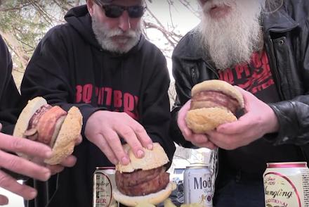 Der Beer Can Bacon Burger | Eine Videoanleitung zum Nachgrillen von den BBQ Pit Boys