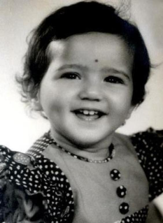 Preity Zinta Rare Childhood, Young Age And Family Photos -5248