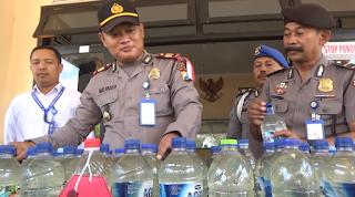 Razia Miras, Polisi Berhasil Sita Puluhan Liter Arak Jowo