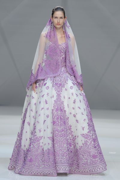 Grandiosos vestidos de novias | Coleccion Naeem Kham 2016