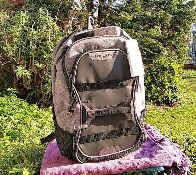 Targus Run + Play Laptop Backpack Gym Run Handbag Combo