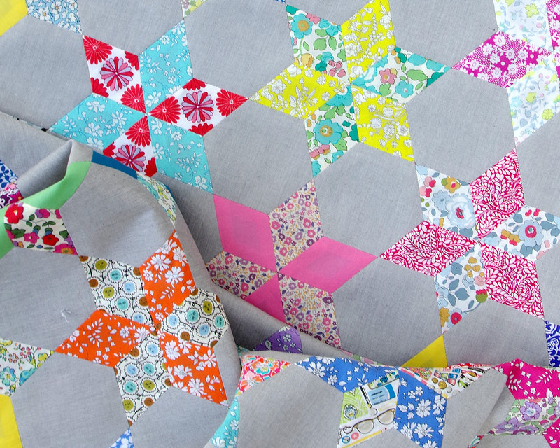Liberty Stars Quilt | English Paper Piecing | © Red Pepper Quilts2017