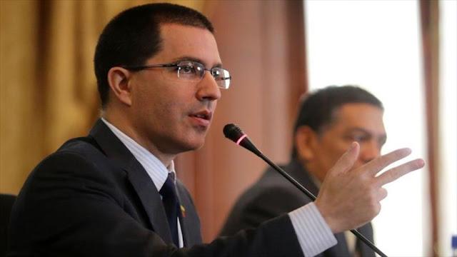 Democracia en Venezuela es atacada por poderes internacionales