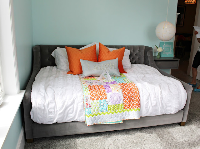 Home tour: Girls bedroom paint color