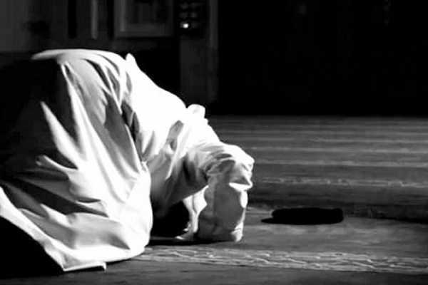 Bacaan Bilal Sholat Tarawih dan Sholat Witir Beserta Terjemah