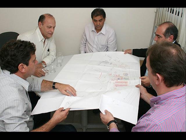 Empresarios reunidos