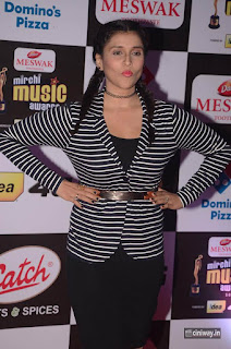 Mannara Chopra Stills at Mirchi Music Awards 2016