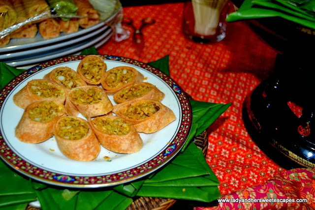 Roti minced chicken with yellow curry paste from Benjarong Dubai