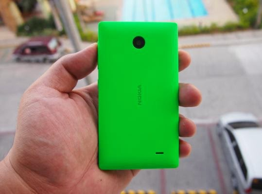 Nokia X Unboxing, Preview And Initial Impression Back