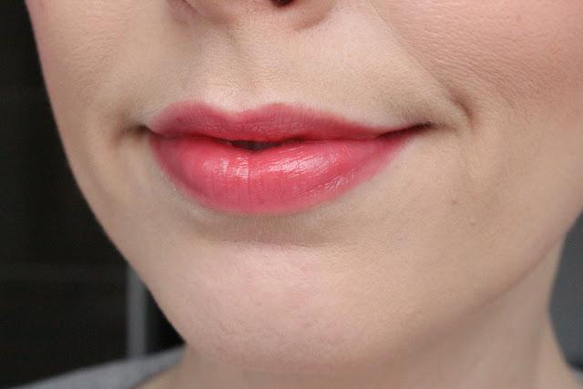 Guerlain La Petite Robe Noire The Lipstick 041 Sun-Twin-Set
