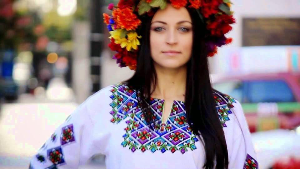 """O Dia da Vyshyvanka"" (a camisa tradicional bordada ucraniana 81345d3bc66c2"
