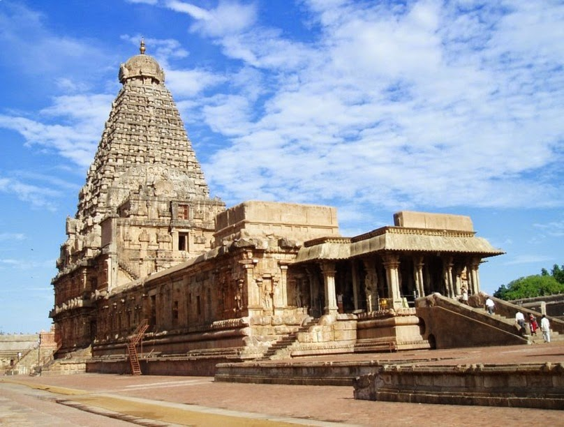Brihadeeshwara Temple - It